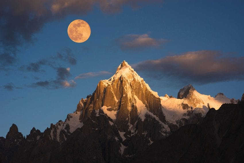 Full moon rising over Paiyu peak